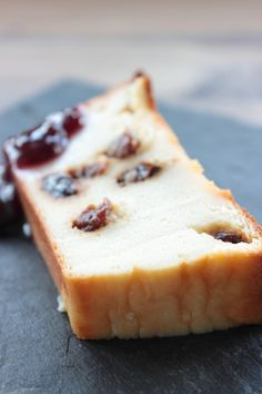 Poke Cakes, Delicious Desserts, Bakery, Cheesecake, Deserts, Sweets, Bread, Cooking, Recipes