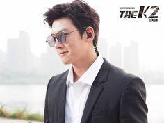 Calling The Bodyguard agency… Helloooo, may I please hire a bodyguard named Ji Chang Wook? Er… I need him to…er…protect me… er… this sounds embarrassing, but … Ji Chang Wook Smile, Ji Chang Wook Healer, Ji Chan Wook, Korean Star, Korean Men, Korean Actors, Korean Dramas, Asian Actors, The K2 Korean Drama