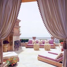25 Modern Backyard Ideas to Create Beautiful Outdoor Rooms in Moroccan Style