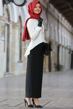 Pınar Şems Siyah Kalem Etek