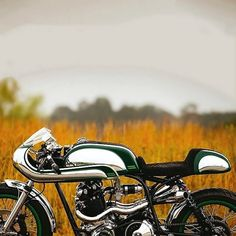 combustible-contraptions: 1968 Norton Cafe Racer | Commando 750... combustible-contraptions: 1968 Norton Cafe Racer | Commando 750 | Bikini Fairing | Side Pipes | Seat Cowl | Fuller