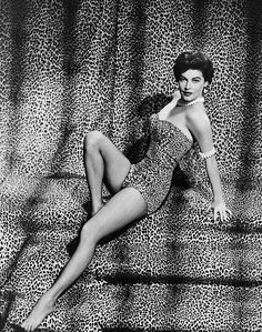 "Ava Gardner on Acting :-  ""I was lazy. I would have been a hell of a lot better actress had I taken it more seriously. I never had the proper respect for acting. Quite often, I learned my lines on the way to the studio."""