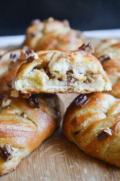 Maple and Pecan Plait Danish Pastries | A Dutchie Baking