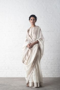 RAJKA SAREES A limited edition festive collection of chanderi sarees with accents of chikankari and mukaish embroidery. Indian Attire, Indian Ethnic Wear, Indian Outfits, Indian Style, White Saree, Elegant Saree, Traditional Sarees, Saree Blouse Designs, Sari Blouse