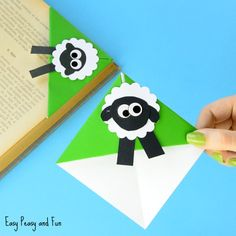 We are back with another cute corner bookmark design idea (another one perfect for spring and Easter), this time around we are making a cute little sheep corner bookmark. This one was a bit tricky to come up with, but I think this sheep craft idea turned out pretty well in the end. Are you …