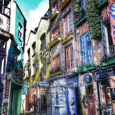 Neil's Yard in Covent Garden #travel #architecture  #London