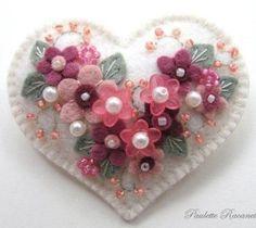 Felt Heart Pin by Beedeebabee on Etsy Embroidery Designs, Felt Embroidery, Felt Applique, Fabric Hearts, Felt Christmas Decorations, Heart Crafts, Felt Brooch, Felt Patterns, Valentine Crafts