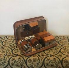 Vintage Men's Grooming Kit by Two Tix. Gentleman's Leather Shaving Set. English Gentleman, Shaving Set, Travel Toiletries, Men's Grooming, Leather Case, Vintage Men, Retro, Trending Outfits, Unique Jewelry