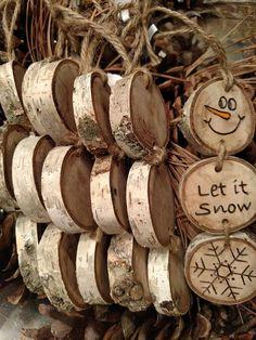 Wood Burned Snowman Christmas Ornaments -- Stacked Snowman Ornaments/Gift Tags o. Wood Burned Snowman Christmas Ornaments -- Stacked Snowman Ornaments/Gift Tags on pine wood slices - Wooden Christmas Decorations, Snowman Christmas Ornaments, Christmas Ornament Crafts, Holiday Crafts, Wooden Christmas Crafts, Wood Ornaments, Homemade Christmas, Christmas Diy, Beach Christmas