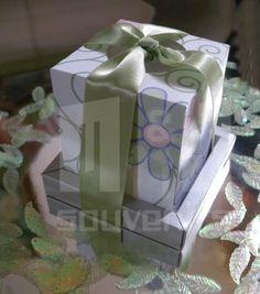 Diseño para mama materiales : cartulina , cinta  Aplique: Lazo
