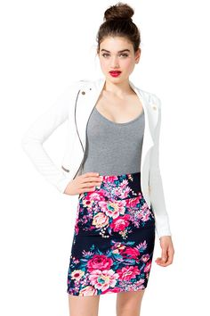 A standout pencil skirt featuring a bold floral print and a banded waist. Finished short hem. Textured knit. Bodycon fit.