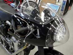 Learn more about English Cafe: 1970 Velocette Venom Thruxton on Bring a Trailer, the home of the best vintage and classic cars online. British Motorcycles, Vintage Motorcycles, Cars And Motorcycles, Motorcycle Outfit, Motorcycle Accessories, Classic Motorcycle, Cafe O, Auto Retro, English