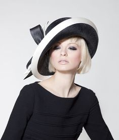 Dillon Wallwork - Black parisisal halo brim trimmed with off-white duchesse satin bind and two-tone bow. Classy shape and colors. Fascinator Hats, Fascinators, Headpieces, Stylish Hats, Kentucky Derby Hats, Fancy Hats, Church Hats, Wearing A Hat, Love Hat