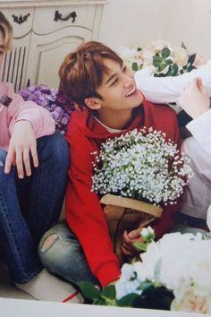 mingyu ermagherds flower boy look~