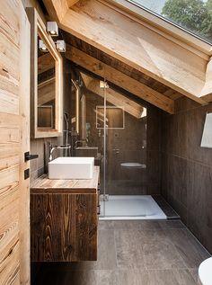 Rustic Home Design, Farmhouse Design, Rustic Bathroom Shower, Glass Cabin, Tiny House Cabin, Wooden House, Log Homes, Bathroom Interior, Interior Styling