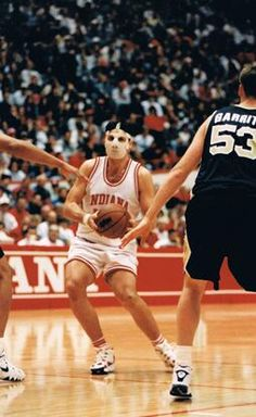 Here's some old school #IUBB pics of Haris Mujezinovic in a protective mask. Intimidating.   #IUCollegeBasketball Go Hoosiers!
