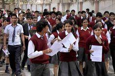 प्रदेश के स्कूलों में ग्यारहवीं और बारहवीं में प्रवेश की प्रक्रिया पहली अप्रैल से शुरू कर दी जाएगी। इस दौरान छात्र दस अप्रैल तक बिना लेट फीस के दाखिला ले सकते हैं