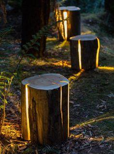 Uma luminária sustentável: resíduos de madeira são esculpidos e viram peças rústicas para iluminar o ambiente. Do designer Duncan Meerding.