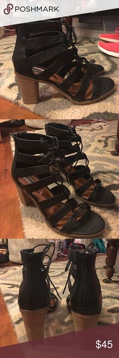 Steve Madden Dayyna lace up sandals 9.5 Steve Madden Dayyna lace up sandals 9.5. Black leather. Stacked heel. Worn only one time. Perfect condition. Comfy heels. Steve Madden Shoes Heels