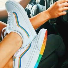 vans old skool * vans & vans outfit & vans shoes & vans painted shoes ideas & vans aesthetic & vans wallpaper & vans shoes fashion & vans old skool Vans Sneakers, Tenis Vans, Vans Shoes Fashion, Vans Shoes Women, Rainbow Vans, White Rainbow, Rainbow Pride, Pride Shoes, Mode Kawaii