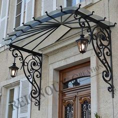 Newest Cost-Free Wrought Iron awning Strategies Dwelling designing by using wrought iron is really as strong today as being the wrought iron metallic itself. House Exterior, Pergola Plans Roofs, House Design, Wrought Iron Awning, Iron Pergola, Door Awnings, Iron Doors, Door Canopy, Iron Decor