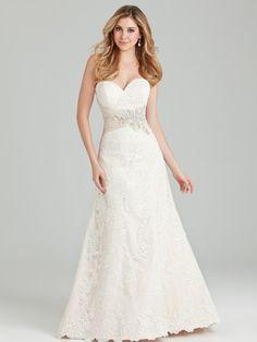 Allure Bridals: Style: 2569, in stock sample size 10-Bridal Boutique, Saint Joseph, Missouri 816-233-6946