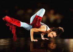 """Sie planen eine Veranstaltung und spielen mit dem Gedanken das Thema """"Tanz"""" ins Programm aufzunehmen? Erzählen Sie uns von Ihren Vorstellungen – wir stehen Ihnen mit unseren erstklassigen Künstlern kompetent zur Seite. Ballett Bauchtanz Urban Dance: Breaking/Locking/Popping Burlesque Flamenco Hip Hop Höfischer Tanz Modern Dance Samba Showdance Street Dance Tango Volkstanz Street Dance, Samba, Modern Dance, Urban Dance, Tango, Hip Hop, Charleston, Hiking Boots, Events"""