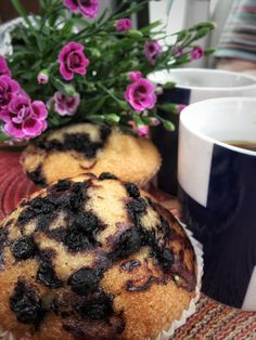 Mustikkamuffiinit kera kahvin