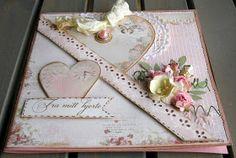 jeg har lavet et kort med Pion design papirerne, pyntet med blomster og brugt MS punch. Jeg deltager i Sketchy colors  udfordring - rosa-cre...