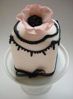 Anemone Mini Cake