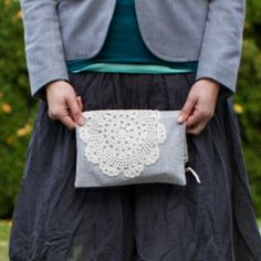 Make a sweet lined foldover clutch with vintage style.