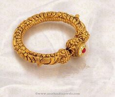 22K Gold Antique Bangles, Gold Antique Bangle Designs from Jos Alukkas, Gold Antique Bangle Designs.