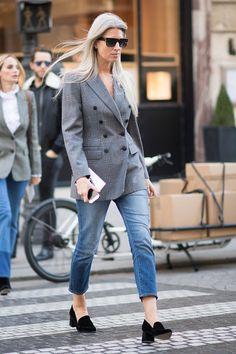Sarah Harris seen in the streets of Paris during Paris Fashion Week Spring/Summer 2017 on October 5 2016 in Paris France