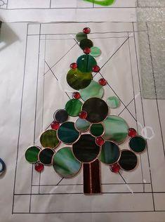 SG circle Christmas tree
