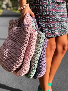 Scandinavian Style Crochet Bag Minimalistic Easy care Washable 30 C Color retention Super strong 38 cm width x 46 cm height 100 polyester 100 handmade Mode Crochet, Crochet Tote, Crochet Handbags, Crochet Baby, Knit Crochet, Scandinavian Style, Smart Casual Outfit, Tote Bags Handmade, Knitted Bags