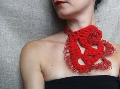 Paper yarn necklace, red necklace, wool yarn jewelry, yarn necklace, free form crochet, statement necklace, paper yarn jewelry - pinned by pin4etsy.com