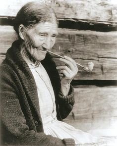 Sophie Campbell made clay pipes which she sold to people in the Gatlinburg area.