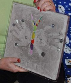 Butterfly Hand Print Mosaic Stepping Stone Will have to have the kids make these for grandmas next bday!