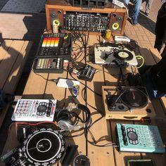 Roland Boss, Recording Studio Home, Daschund, Ancient Architecture, Audiophile, Musical Instruments, Console, Tape, Studios