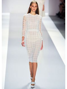Top Spring 2013 Fashion Trends Straight from the Runway  The All-White Slice & Dice  Jill Stuart  Looking for a chic take on tartan? Here, in all its cut-up glory, the end result if plaid could only be made with a pair of scissors.      Read more: Spring 2013 Fashion Trends - Best Trends from Spring 2013 Fashion Week - Marie Claire