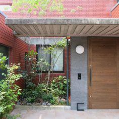 ワークス Modern Japanese Architecture, Pergola, Garage Doors, Outdoor Structures, Outdoor Decor, Green, Home Decor, Decoration Home, Room Decor