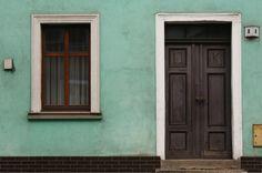 kamienica, drzwi, okno