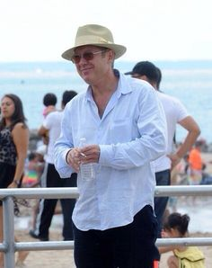 James Spader in dapper suit and fedora as he films new series of The Blacklist Blacklist Serie, The Blacklist Quotes, James Spader Blacklist, James Spader Wife, Tv Actors, Actors & Actresses, Boston Legal, Dapper Suits, Kenneth Branagh