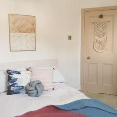 Farrow and Ball Setting Plaster Pink door / blush bedroom decor… Blush Bedroom Decor, Bedroom Inspo, Bedroom Ideas, Farrow And Ball Bedroom, Pastel Interior, Restaurant, Spare Room, Cool Rooms, White Walls