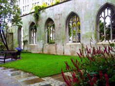 St Dunstan in the East + 9 other London secrets - A Journey Away Uk And Ie Destinations, Weekend In London, Adventure Activities, London Travel, European Travel, City Lights, London England, Travel Inspiration, Saints