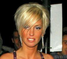 Sarah Harding is an English Singer, songwriter, model & actress 👍😎😎😘🌹🌷 Cute Haircuts, Short Pixie Haircuts, Cute Hairstyles For Short Hair, Bob Hairstyles, Short Sassy Hair, Short Hair Cuts, Short Hair Styles, Sarah Harding Hair, Hair Today