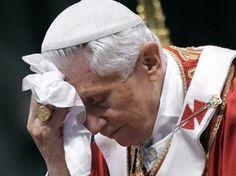 Verso il Conclave, l'ombra della pedofilia dietro l'erede di Ratzinger