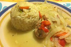 Cómo hacer pollo al jugo en olla tradicional Chilean Recipes, Chilean Food, Aficionados, Rice, Cooking Recipes, Lunch, Meat, Chicken, Dinner
