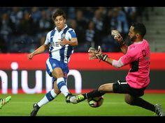 Dois golos de André Silva e um de Brahimi na vitória do FC Porto sobre o Arouca, na oitavajornada da Liga (3-0)