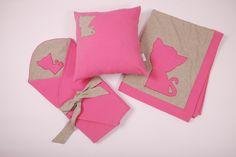 Różowo-szary zestaw dziecięcy - kocyk, poduszka i rożek - wyprawka - Pink and gray baby girl layette set - blanket, pillow and wrapping cape - http://www.papillon-shop.pl/zestaw-dzieciecy.html
